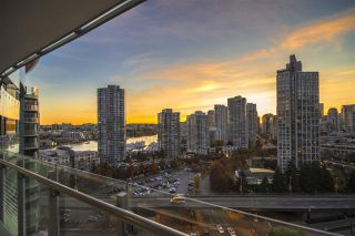 """Photo 13: 1603 89 NELSON Street in Vancouver: Yaletown Condo for sale in """"THE ARC"""" (Vancouver West)  : MLS®# R2411058"""