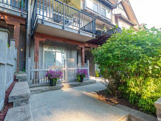 """Photo 1: 19 55 HAWTHORN Drive in Port Moody: Heritage Woods PM Townhouse for sale in """"Cobalt Sky by Parklane"""" : MLS®# R2597938"""