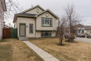 Photo 2: 144 Somerside Close SW in Calgary: Somerset Detached for sale : MLS®# A1093207