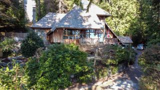 Photo 4: 1055 & 1057 GOWER POINT Road in Gibsons: Gibsons & Area House for sale (Sunshine Coast)  : MLS®# R2552576