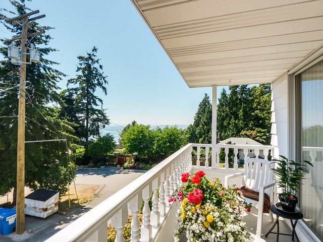 """Photo 15: Photos: 203 15010 ROPER Avenue: White Rock Condo for sale in """"Baycrest"""" (South Surrey White Rock)  : MLS®# F1417713"""