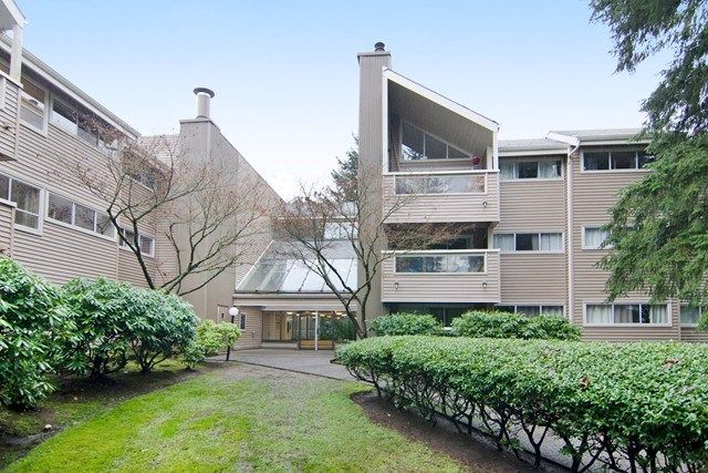 Main Photo: 115 932 ROBINSON Street in Coquitlam: Coquitlam West Condo for sale : MLS®# R2024517