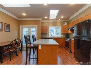 Photo 8: 3610 Pondside Terr in VICTORIA: Co Latoria House for sale (Colwood)  : MLS®# 720994