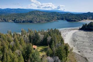 Photo 1: 135 HAIRY ELBOW Road in Seymour: Halfmn Bay Secret Cv Redroofs House for sale (Sunshine Coast)  : MLS®# R2556718