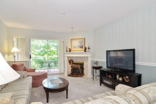 """Photo 4: 302 22722 LOUGHEED Highway in Maple Ridge: East Central Condo for sale in """"MARK'S PLACE"""" : MLS®# R2602812"""