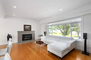 Photo 5: 4840 SOUTHLAWN Drive in Burnaby: Brentwood Park House for sale (Burnaby North)  : MLS®# R2481873