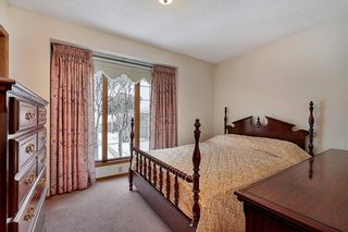 Photo 11: 850 37 Street NW in Calgary: Parkdale Detached for sale : MLS®# C4297148