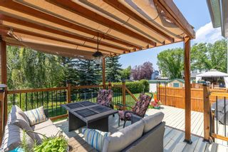 Photo 4: 169 Somerside Green SW in Calgary: Somerset Detached for sale : MLS®# A1131734
