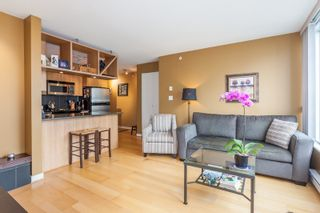 """Photo 5: 1604 1010 RICHARDS Street in Vancouver: Yaletown Condo for sale in """"The Gallery"""" (Vancouver West)  : MLS®# R2204438"""