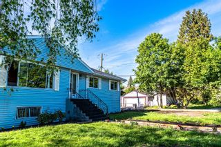 Photo 3: 7433 ELWELL Street in Burnaby: Highgate House for sale (Burnaby South)  : MLS®# R2616869