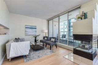 """Photo 3: 2304 1200 ALBERNI Street in Vancouver: West End VW Condo for sale in """"Palisades"""" (Vancouver West)  : MLS®# R2587109"""