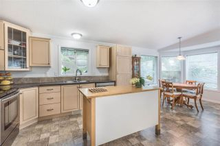 """Photo 8: 120 145 KING EDWARD Street in Coquitlam: Maillardville Manufactured Home for sale in """"MILL CREEK VILLAGE"""" : MLS®# R2370266"""