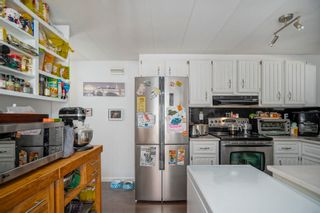 """Photo 8: 160 7790 KING GEORGE Boulevard in Surrey: East Newton Manufactured Home for sale in """"Crispen Bays"""" : MLS®# R2593825"""