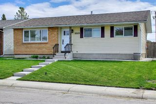 Photo 2: 5919 Pinepoint Drive NE in Calgary: Pineridge Detached for sale : MLS®# A1111211
