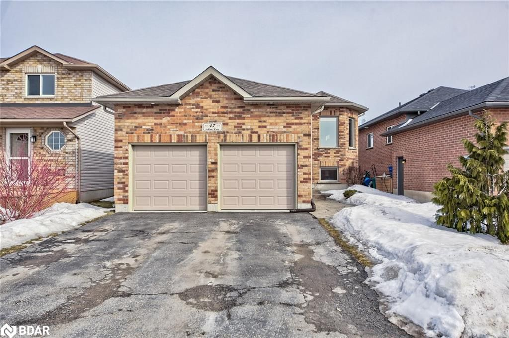 Main Photo: 47 SELINE Crescent in Barrie: House for sale