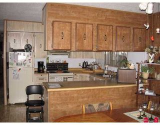 """Photo 8: 22 2035 MARTENS Street in Abbotsford: Poplar Manufactured Home for sale in """"Maplewood Estates"""" : MLS®# F2727186"""
