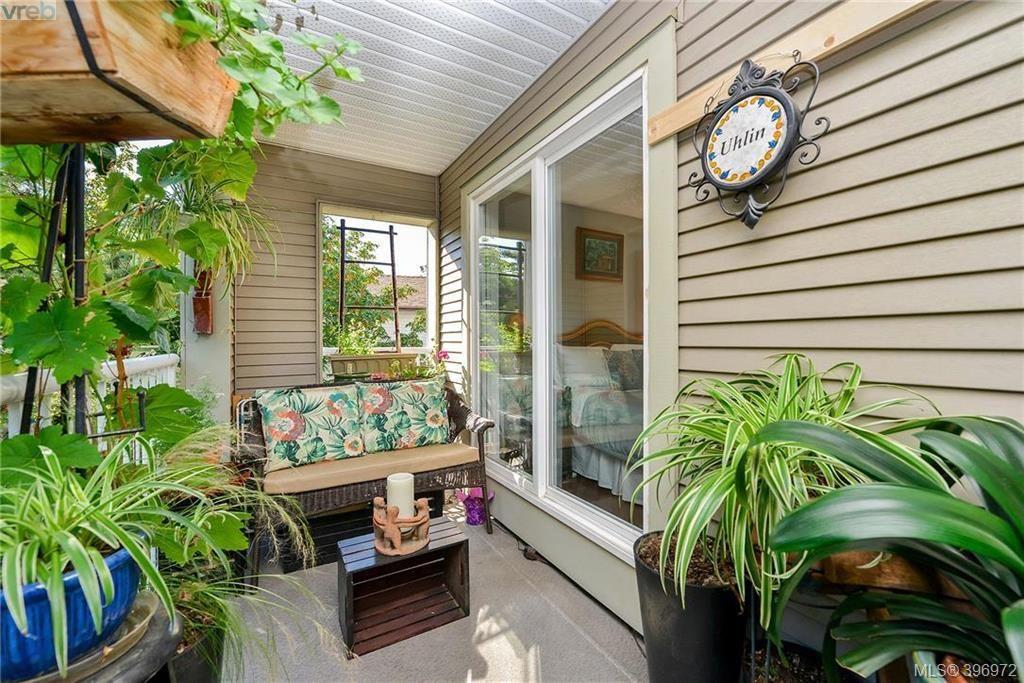 Photo 11: Photos: 203 3010 Washington Ave in VICTORIA: Vi Burnside Condo for sale (Victoria)  : MLS®# 794042