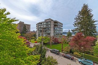 Photo 18: 401 1455 DUCHESS Avenue in West Vancouver: Ambleside Condo for sale : MLS®# R2364582