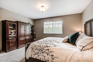 Photo 11: 19726 CEDAR LANE in Pitt Meadows: Mid Meadows House for sale : MLS®# R2262720
