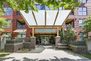 "Photo 2: 1806 5288 MELBOURNE Street in Vancouver: Collingwood VE Condo for sale in ""EMERALD PARK PLACE"" (Vancouver East)  : MLS®# R2538521"