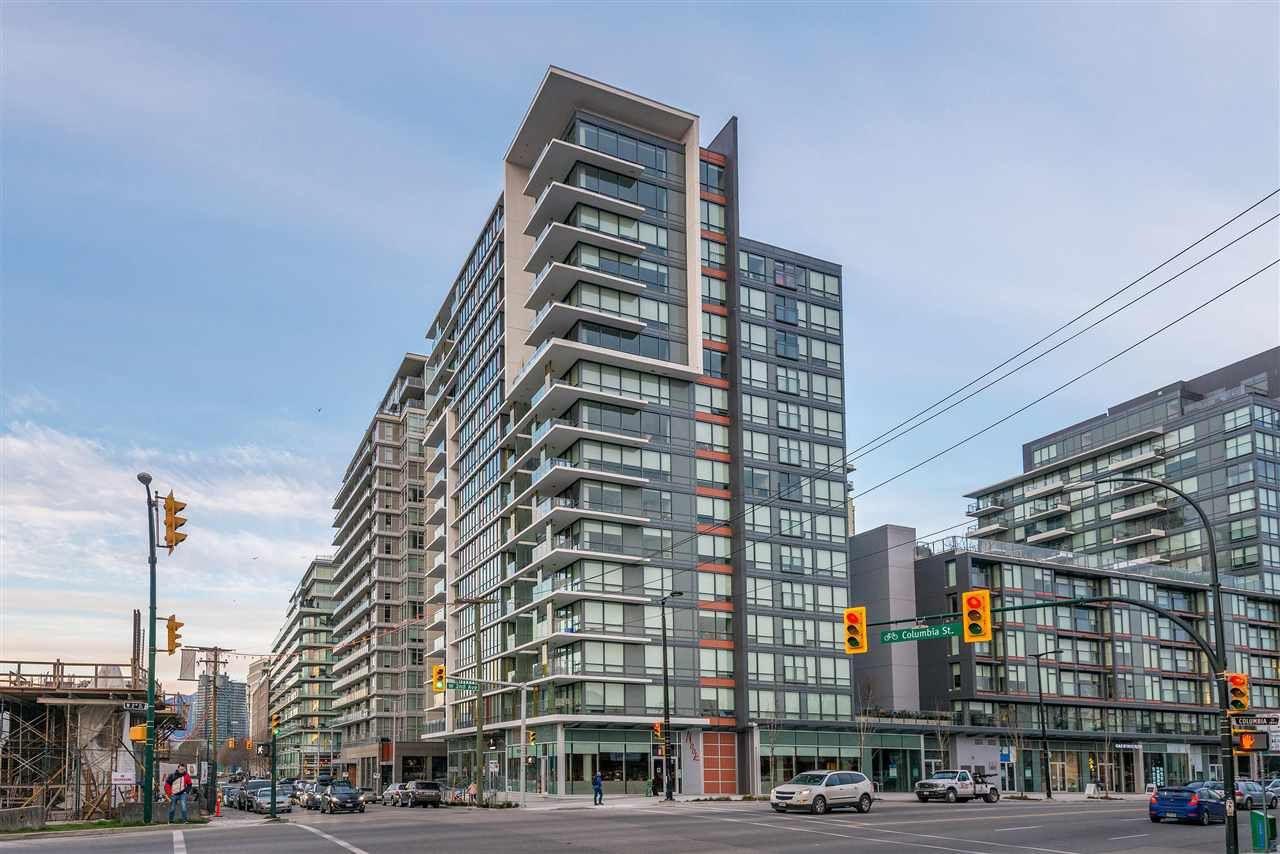 """Main Photo: 1409 1788 COLUMBIA Street in Vancouver: False Creek Condo for sale in """"Epic at West"""" (Vancouver West)  : MLS®# R2392931"""
