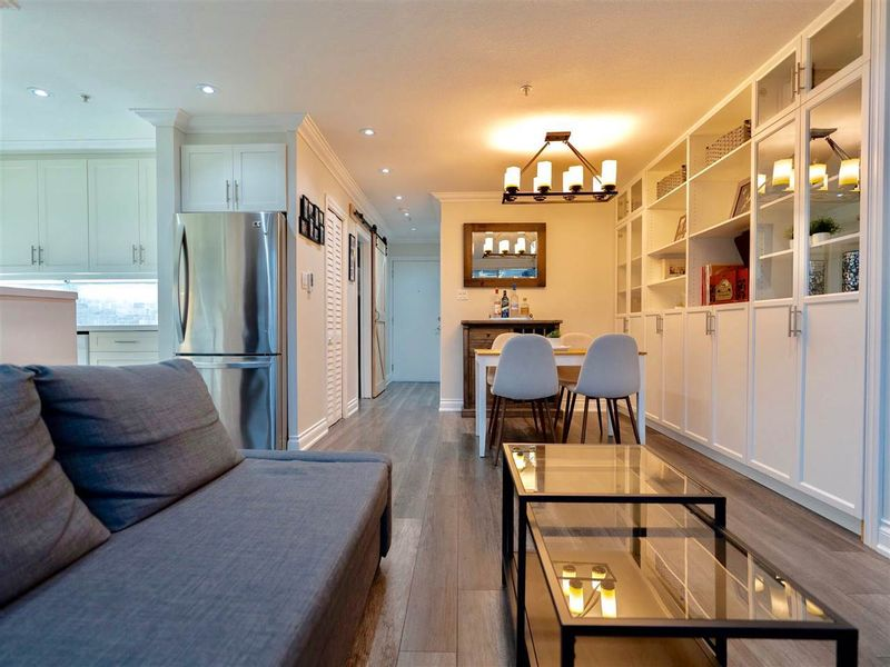FEATURED LISTING: 203 - 2287 3RD Avenue West Vancouver