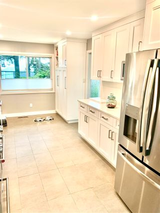 Photo 3: 260 N HOWARD Avenue in Burnaby: Capitol Hill BN House for sale (Burnaby North)  : MLS®# R2581419