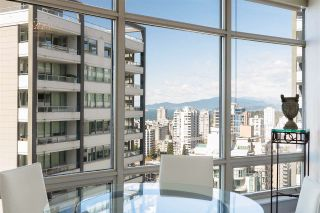 """Photo 10: 2003 1288 ALBERNI Street in Vancouver: West End VW Condo for sale in """"The Palisades"""" (Vancouver West)  : MLS®# R2591374"""