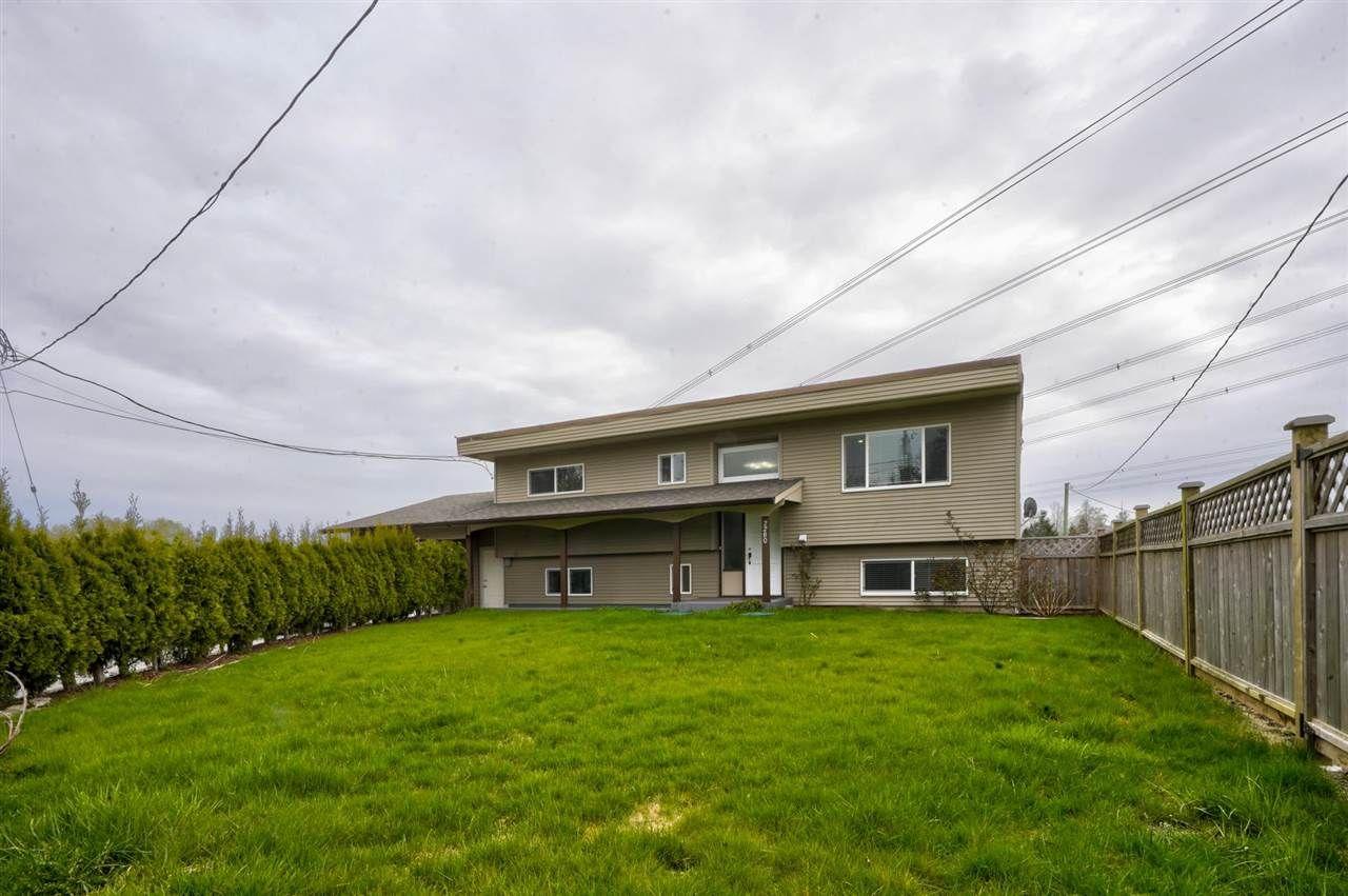 "Main Photo: 2280 BRADNER Road in Abbotsford: Aberdeen House for sale in ""Bradner"" : MLS®# R2586649"