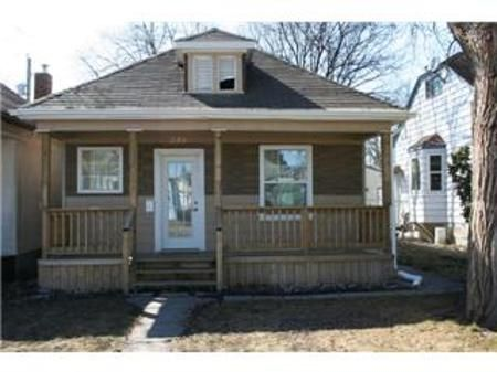 Main Photo: 246 INGLEWOOD Street: Residential for sale (St. James)  : MLS®# 1106355