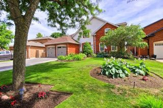 Main Photo: 54 Bernick Crescent in Whitchurch-Stouffville: Stouffville House (2-Storey) for sale : MLS®# N5287485
