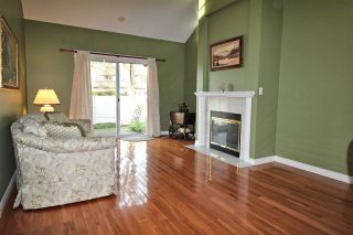"Photo 2: 1201 21937 48 Avenue in Langley: Murrayville Townhouse for sale in ""Orangewood"" : MLS®# R2322838"