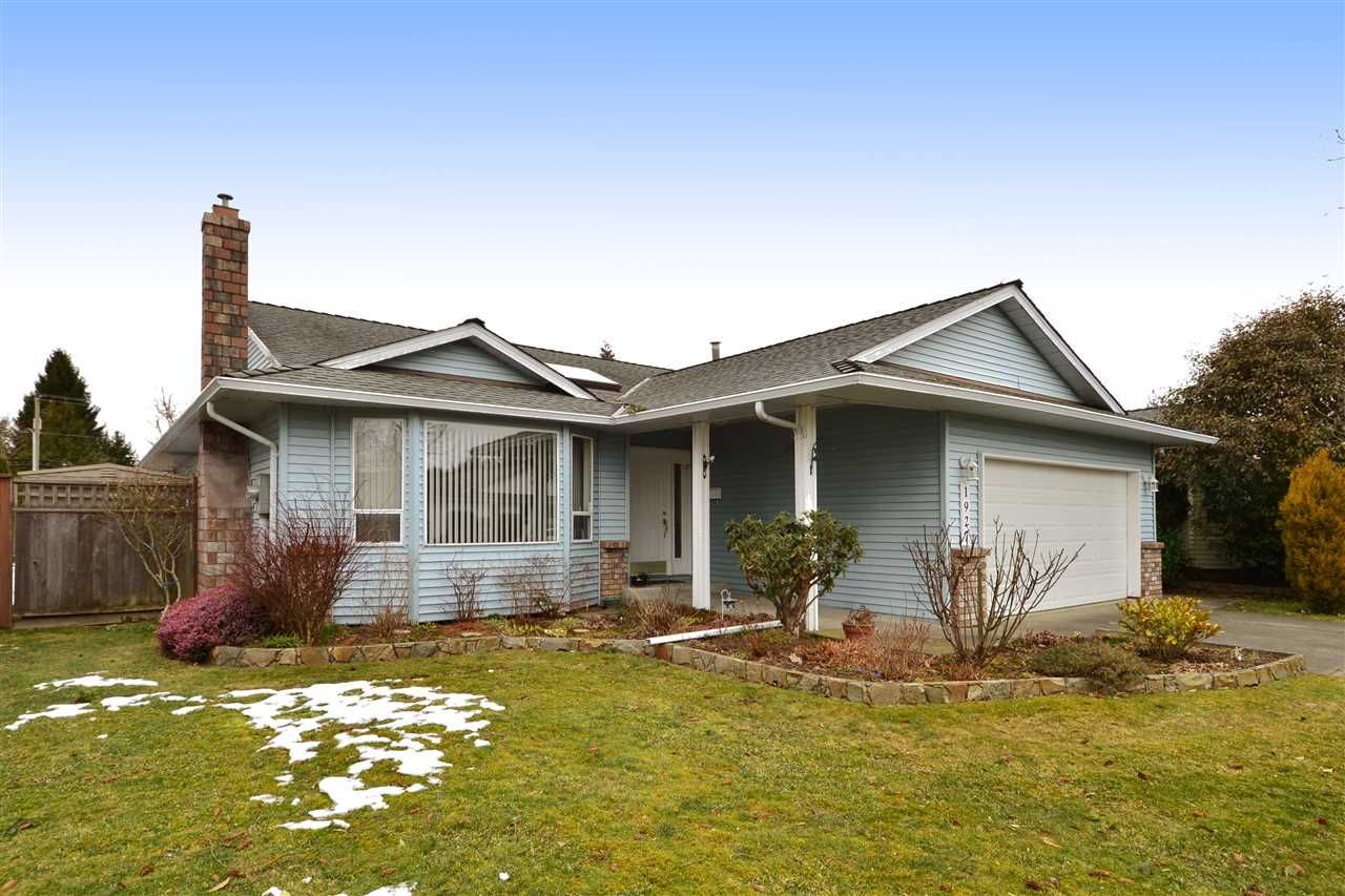 Main Photo: 1927 140A STREET in Surrey: Sunnyside Park Surrey House for sale (South Surrey White Rock)  : MLS®# R2342324