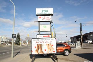 Photo 1: 4 250 Idylwyld Drive North in Saskatoon: Central Business District Commercial for sale : MLS®# SK846072