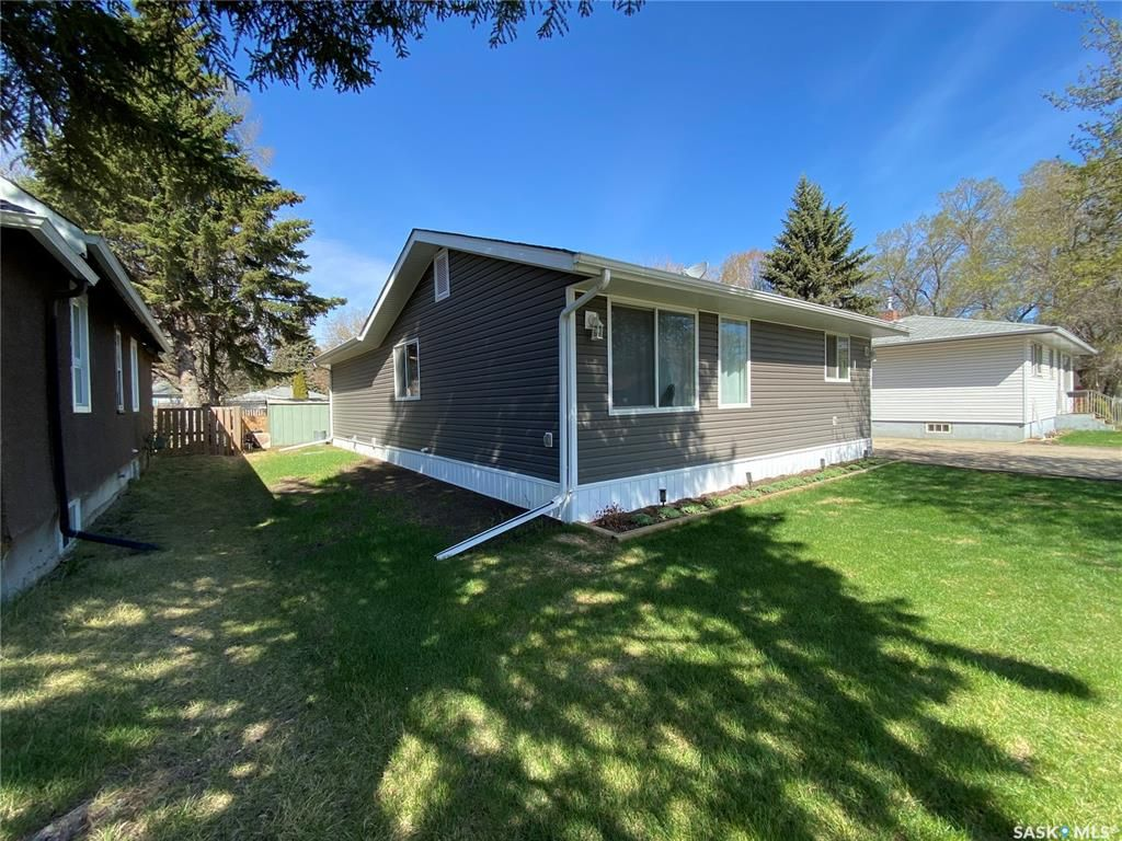 Main Photo: 444 Company Avenue South in Fort Qu'Appelle: Residential for sale : MLS®# SK854942