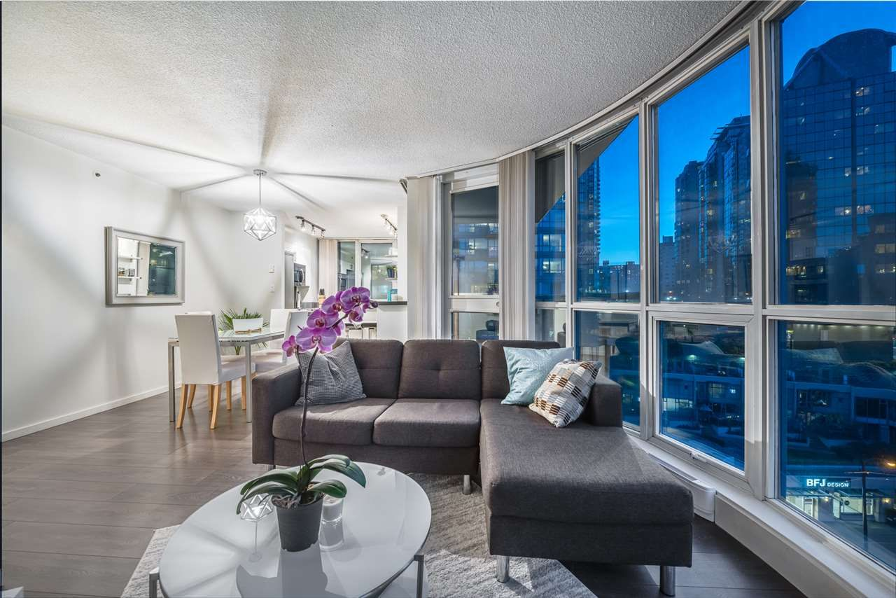 """Main Photo: 805 555 JERVIS Street in Vancouver: Coal Harbour Condo for sale in """"Harbourside Park II"""" (Vancouver West)  : MLS®# R2616699"""