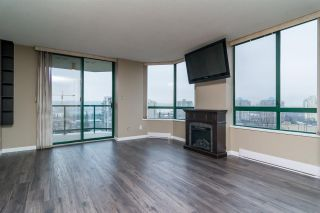 """Photo 7: 403 121 TENTH Street in New Westminster: Uptown NW Condo for sale in """"VISTA ROYALE"""" : MLS®# R2128368"""