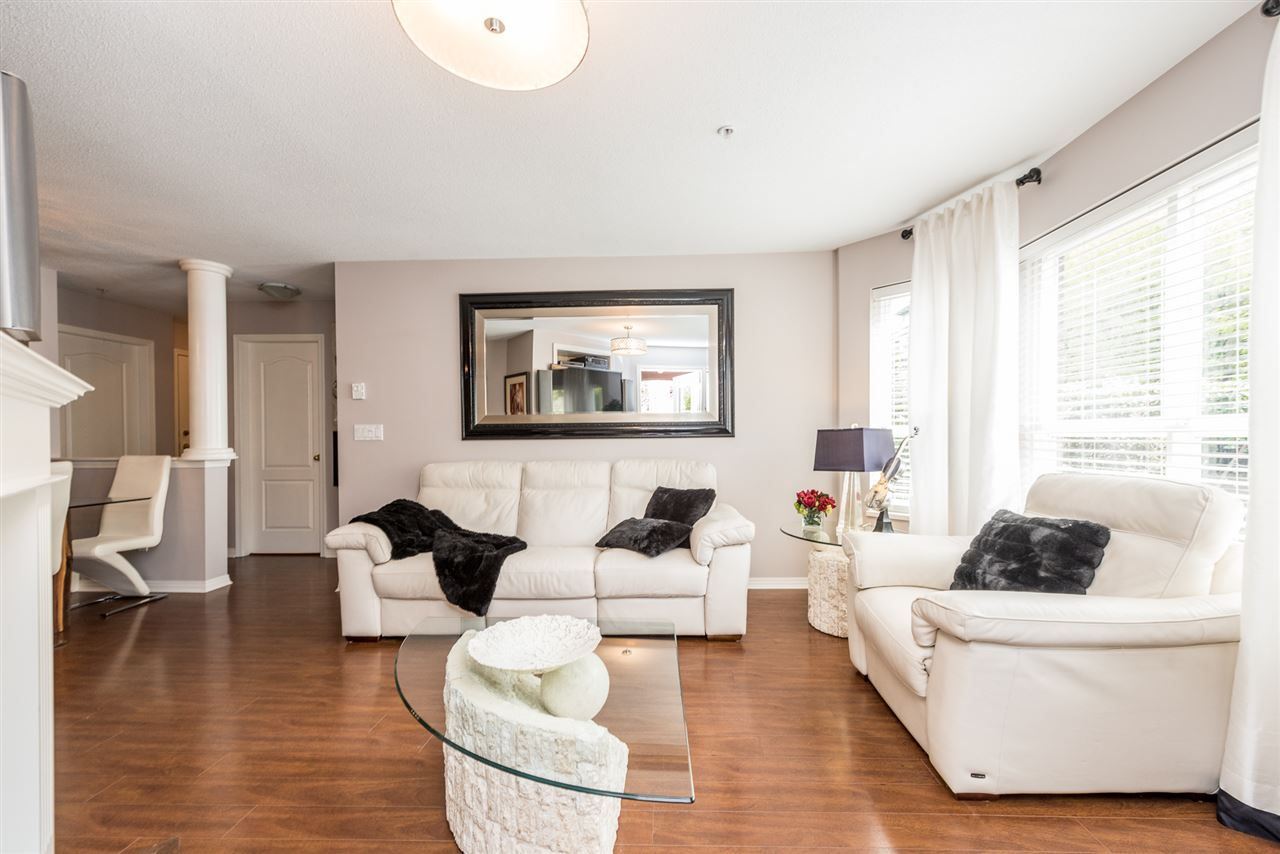 """Photo 4: Photos: 101 130 W 22 Street in North Vancouver: Central Lonsdale Condo for sale in """"THE EMERALD"""" : MLS®# R2159416"""