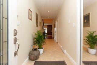 Photo 5: 5173 Lochside Dr in Saanich: SE Cordova Bay House for sale (Saanich East)  : MLS®# 839422