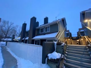 Main Photo: 147 54 Glamis Green SW in Calgary: Glamorgan Row/Townhouse for sale : MLS®# A1076513
