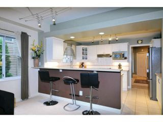 "Photo 7: 84 2979 PANORAMA Drive in Coquitlam: Westwood Plateau Townhouse for sale in ""DEERCREST"" : MLS®# V1090309"