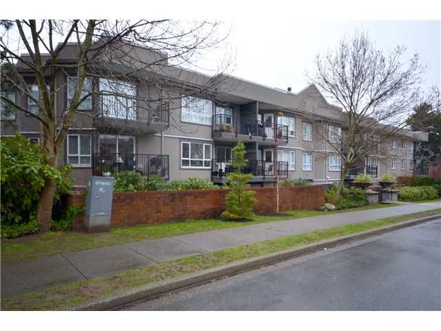 Main Photo: 219 555 W 14TH Avenue in Vancouver: Fairview VW Condo for sale (Vancouver West)  : MLS®# V991643