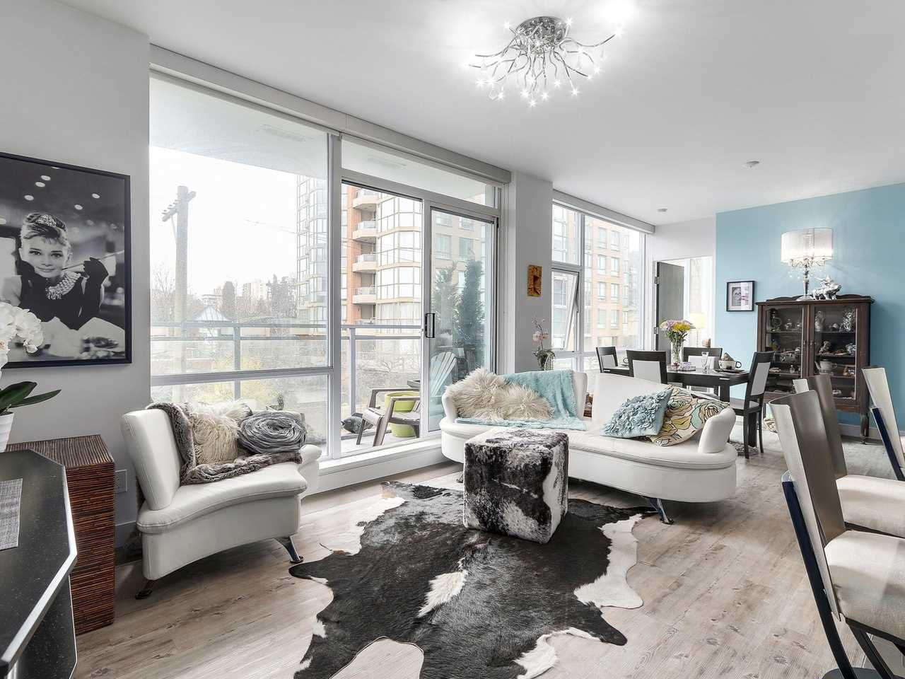 Photo 2: Photos: 401 1455 HOWE STREET in Vancouver: Yaletown Condo for sale (Vancouver West)  : MLS®# R2145939