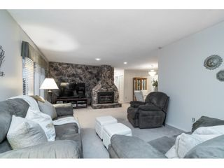 Photo 3: 4998 203A Street in Langley: Langley City House for sale : MLS®# R2419595