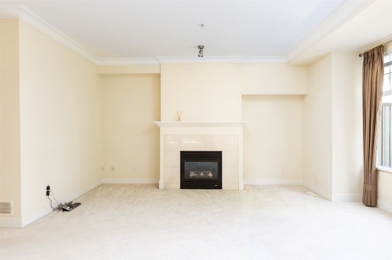 """Photo 8: Photos: 971 WESTBURY Walk in Vancouver: South Cambie Townhouse for sale in """"Churchill Gardens"""" (Vancouver West)  : MLS®# R2488294"""