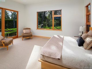 Photo 31:  in VICTORIA: OB Uplands House for sale (Oak Bay)  : MLS®# 811229