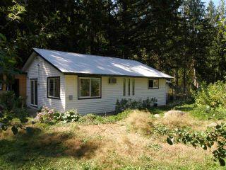 Photo 1: 19749 SILVERHOPE Road in Hope: Hope Silver Creek House for sale : MLS®# R2488247