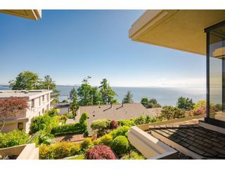 """Photo 27: 202 15050 PROSPECT Avenue: White Rock Condo for sale in """"The Contessa"""" (South Surrey White Rock)  : MLS®# R2612209"""