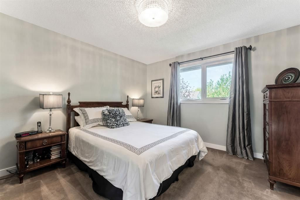 Photo 26: Photos: 84 WOODBROOK Close SW in Calgary: Woodbine Detached for sale : MLS®# A1037845