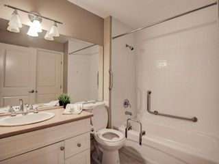 """Photo 5: 411 8880 202 Street in Langley: Walnut Grove Condo for sale in """"RESIDENCE AT VILLAGE SQUARE"""" : MLS®# F1416021"""
